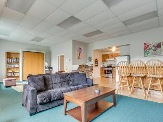 Covered hot tub and a prime location right next to the harbor! - Brookings vacation rentals