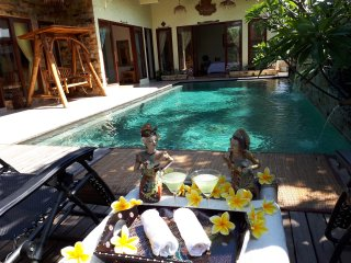 Beautiful Villa in Batam; Private Pool, 3 Bed Rooms,  max 15 pax. - Sekupang vacation rentals