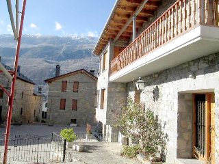Cozy 5 bedroom country house in Valle de Benasque - Sesue vacation rentals