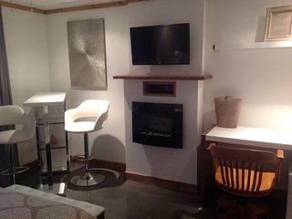 Romantic 1 bedroom Chicoutimi Gite with Internet Access - Chicoutimi vacation rentals