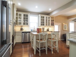 Fabulous 7 Bed/ 6..5 Bath Home! Really Cls to DC! - Washington DC vacation rentals