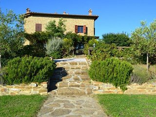 3 bedroom Apartment in Asciano, Tuscany, Italy : ref 2266211 - Torre A Castello vacation rentals
