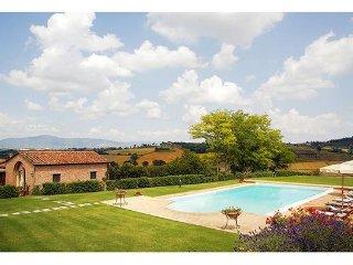 2 bedroom Villa in La Villa-Farneta, Tuscany, Italy : ref 2268132 - Bettolle vacation rentals