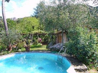 2 bedroom Villa in Massa, Tuscany, Italy : ref 2269104 - San Carlo Terme vacation rentals