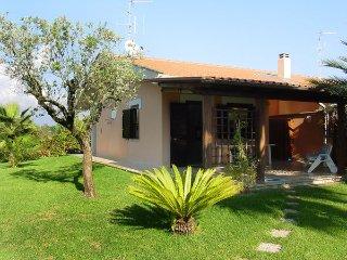 2 bedroom Villa in Fondi, Latium, Italy : ref 2269608 - Salto di Fondi vacation rentals