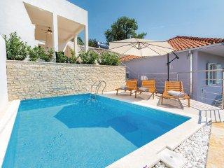 2 bedroom Villa in Split-Zrnovnica, Split, Croatia : ref 2277038 - Zrnovnica vacation rentals