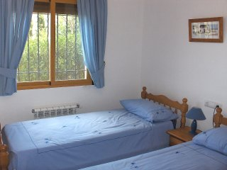 Comfortable 3 bedroom House in Pego with Internet Access - Pego vacation rentals