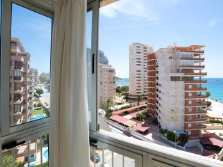 Comfortable 1 bedroom Calpe Apartment with Internet Access - Calpe vacation rentals