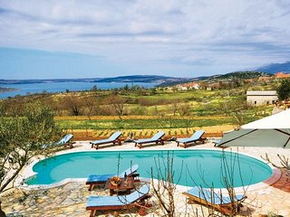 4 bedroom Villa in Zadar-Krusevo, Zadar, Croatia : ref 2278711 - Jesenice vacation rentals
