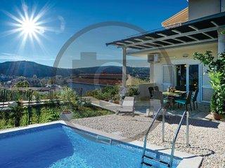 4 bedroom Villa in Dubrovnik-Srebreno, Dubrovnik Riviera, Croatia : ref 2278776 - Srebreno vacation rentals