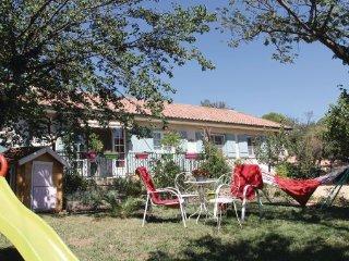 3 bedroom Villa in Mornas, Vaucluse, France : ref 2279152 - Mornas vacation rentals