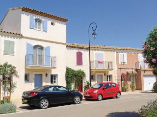 3 bedroom Villa in Aigues-Mortes, Gard, France : ref 2279189 - Aigues-Mortes vacation rentals