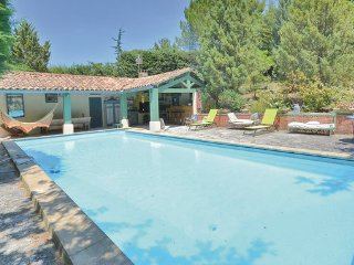 2 bedroom Villa in Roussillon, Vaucluse, France : ref 2279285 - Roussillon vacation rentals