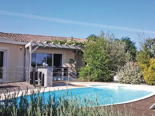 4 bedroom Villa in St-Michel-L Ecluse-et-Leparon, Dordogne, France : ref 2279350 - La Roche Chalais vacation rentals
