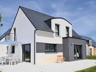 4 bedroom Villa in Lilia, Plouguerneau, Finistere, France : ref 2279400 - Plouguerneau vacation rentals
