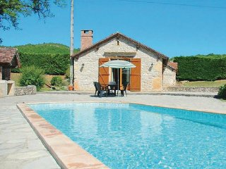 2 bedroom Villa in Cadrieu, Lot, France : ref 2279462 - Montbrun vacation rentals