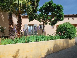 2 bedroom Villa in Saint Raphael, Var, France : ref 2279481 - Valescure vacation rentals
