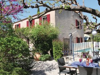 3 bedroom Villa in Eyragues, Bouches Du Rhone, France : ref 2279609 - Eyragues vacation rentals