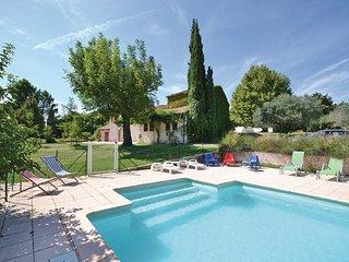 7 bedroom Villa in Carpentras, Vaucluse, France : ref 2279688 - Carpentras vacation rentals