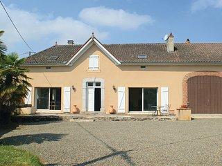 4 bedroom Villa in Sombrun, Hautes-pyrenees, France : ref 2279695 - Maubourguet vacation rentals