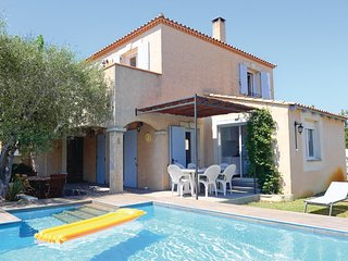 3 bedroom Villa in Aigues-Mortes, Gard, France : ref 2279744 - Aigues-Mortes vacation rentals