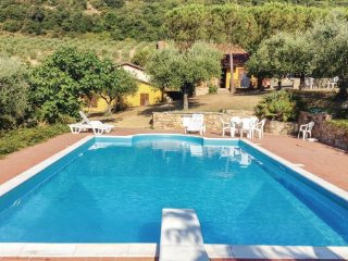 4 bedroom Villa in Magione, Lake Trasimeno, Italy : ref 2280321 - Casenuove vacation rentals
