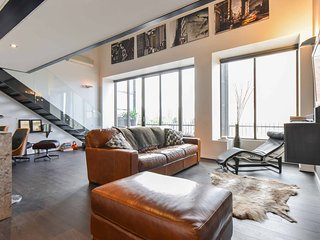 Luxury NYC Loft - Middle of Chapel St + Parking - Prahran vacation rentals