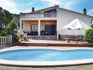 4 bedroom Villa in Sils, Costa Brava, Spain : ref 2281068 - Riudarenes vacation rentals