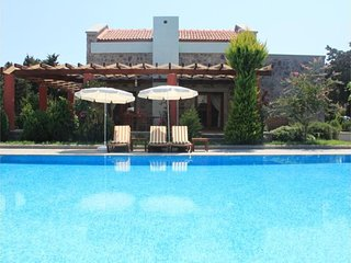 3 bedroom Villa in Bodrum, Agean Coast, Turkey : ref 2291327 - Gumusluk vacation rentals