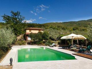 4 bedroom Villa in Cortona, Arezzo Area, Tuscany, Italy : ref 2293248 - Camucia vacation rentals