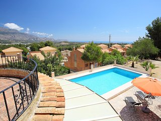 Bright 3 bedroom Xirles House with Internet Access - Xirles vacation rentals