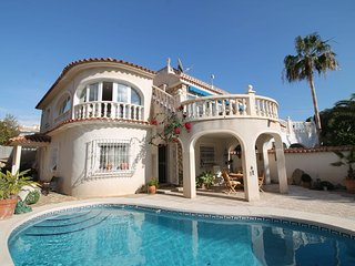 Comfortable House with Internet Access and Patio - Albir vacation rentals