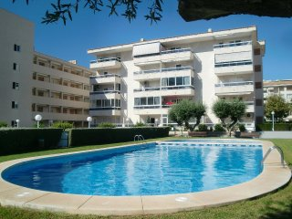 Comfortable 2 bedroom Albir Apartment with Internet Access - Albir vacation rentals