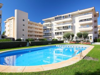 Bright 2 bedroom Condo in Albir - Albir vacation rentals