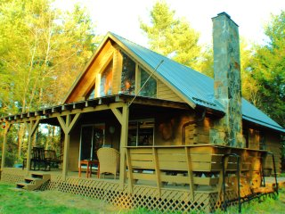 Lovely 2 bedroom Cabin in Dugspur with Deck - Dugspur vacation rentals