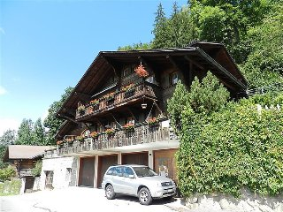 2 bedroom Apartment in Gstaad, Bernese Oberland, Switzerland : ref 2297107 - Saanen vacation rentals