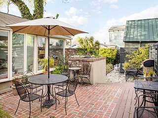Large home with a lofted bedroom great for kids - Savannah vacation rentals