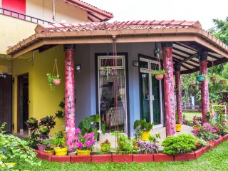 Nice Villa with Internet Access and A/C - Katunayaka vacation rentals
