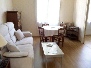 Romantic 1 bedroom Condo in Angers - Angers vacation rentals