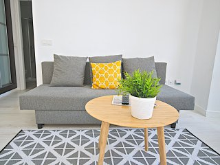 Economic Apartment - #4-1 - Malaga vacation rentals
