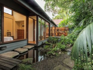Inner city Zen retreat in the heart of cafe life - Rozelle vacation rentals
