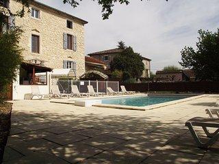 LE MAS DES ARCHES avec piscine - Hébergement LIGNE - Vallon-Pont-d'Arc vacation rentals