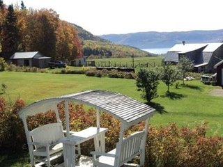 Perfect 3 bedroom House in Sainte-Rose-du-Nord - Sainte-Rose-du-Nord vacation rentals