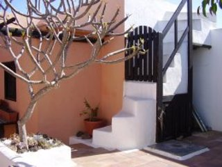 Casa Candida, CONIL - 3 bed finca - La Geria vacation rentals
