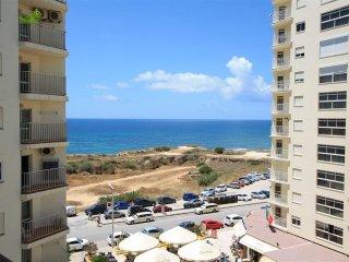 T1+1 Armação C/Vista  sobre a cidade a 5o.m da praia - Armação de Pêra vacation rentals