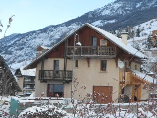 Cozy 3 bedroom Vars House with Internet Access - Vars vacation rentals