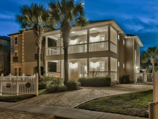 August Open! 6 Bed w/ 3 master King suites,Private Pool, Guest house, & Bikes - Destin vacation rentals
