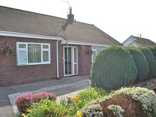 Lovely Bungalow with Deck and Internet Access - Prestatyn vacation rentals