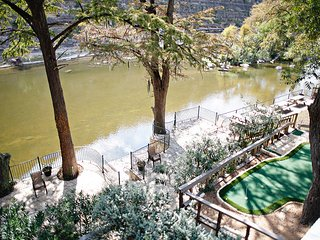 Tiki on the Rio! Along the Guadalupe River on River Road! - New Braunfels vacation rentals