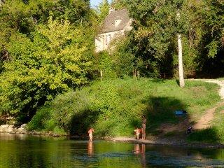 Maison en pierre au bord de la Vézère. - Sergeac vacation rentals